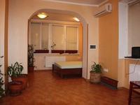Квартиры посуточно в Одессе, ул. Дерибасовская, 16, 200 грн./сутки