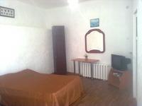 Квартиры посуточно в Евпатории, ул. Назаровская, 7, 120 грн./сутки