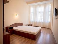 Квартиры посуточно в Львове, ул. Хмельницкого Богдана, 23, 200 грн./сутки
